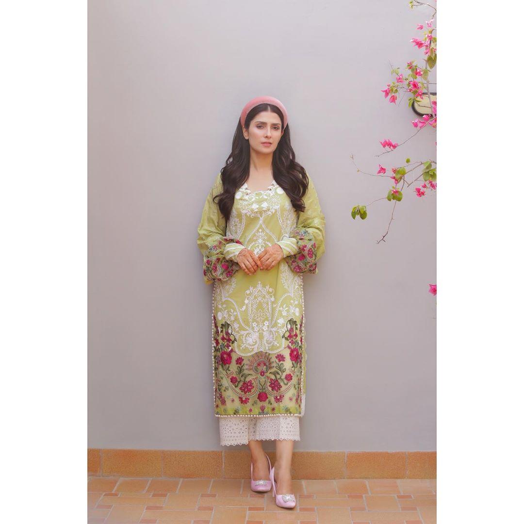 Photo Shoot Pictures of Beautiful Ayeza Khan