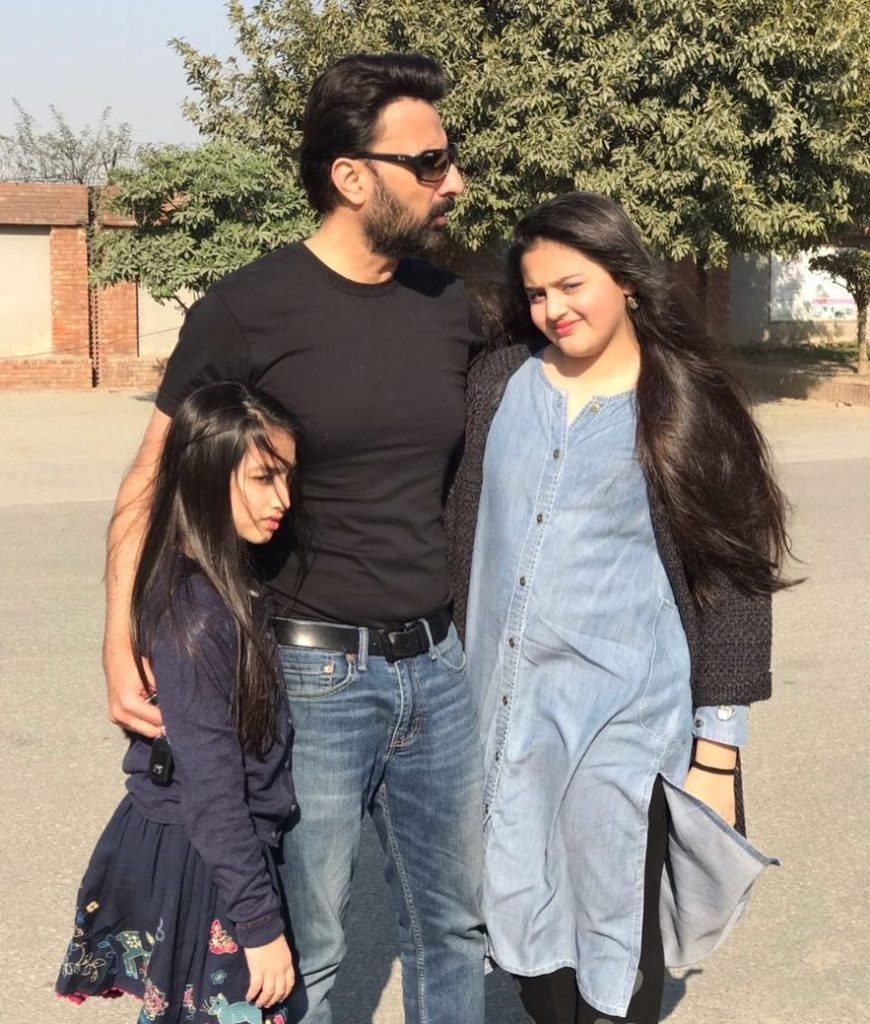 Babar Ali's Cute Videos With Daughter