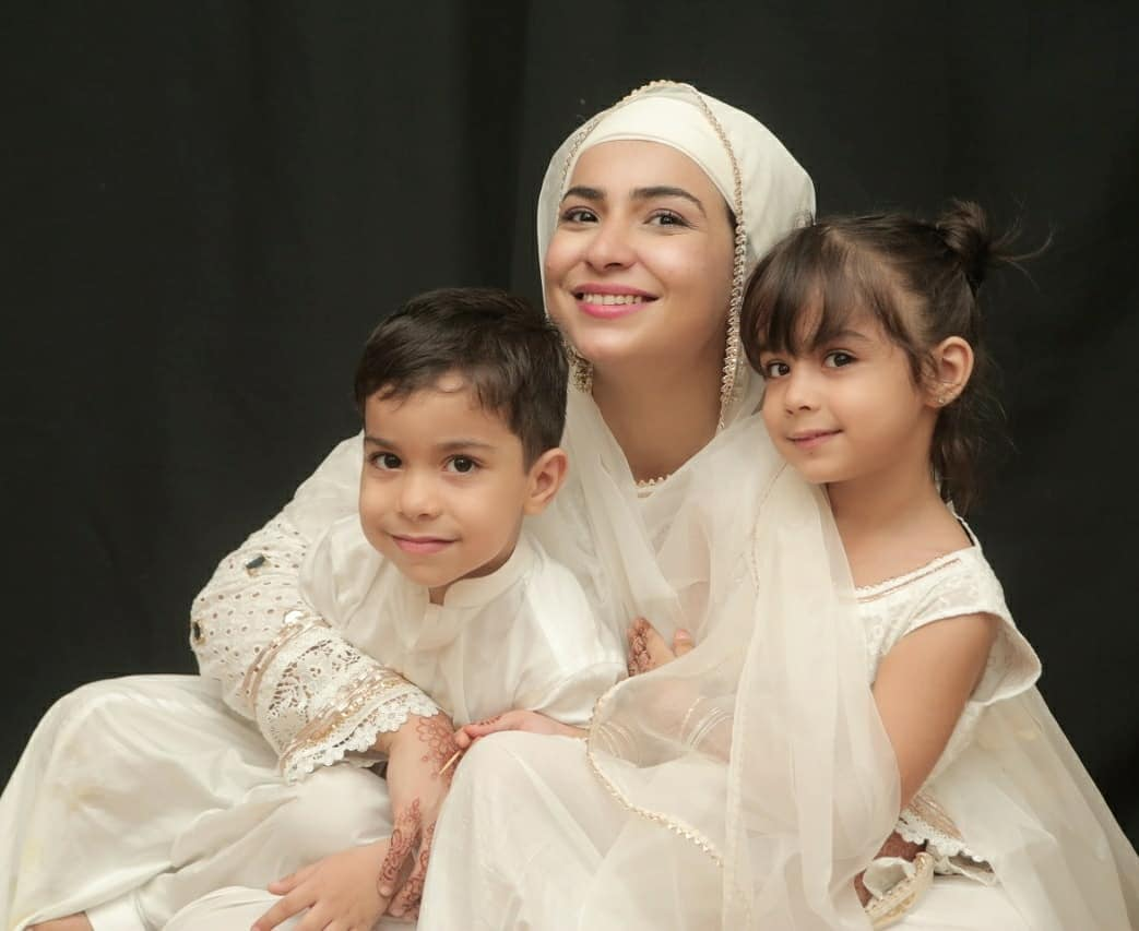 Beautiful Clicks of Dua Malik with her Family