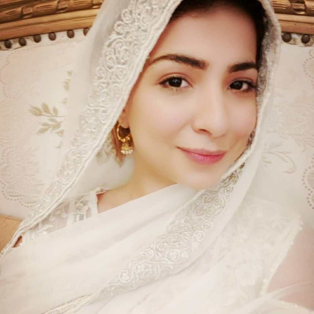 Dua Malik Sings 'O Laal Meri' In Her Beautiful Voice