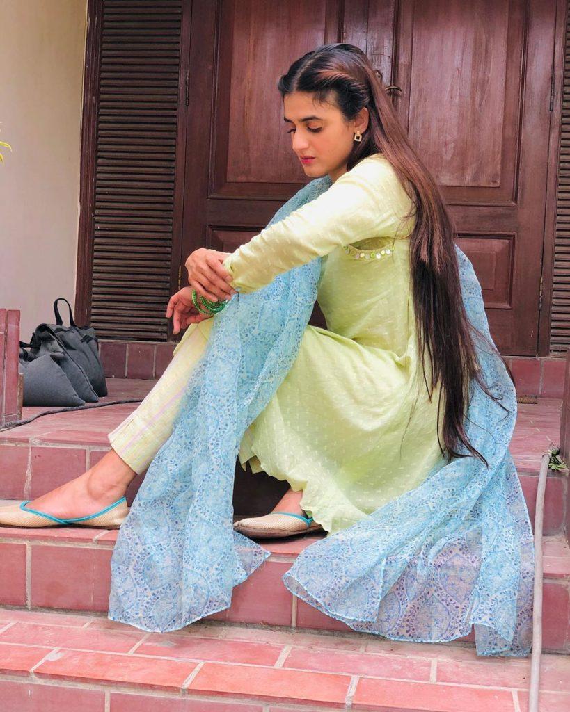 Hira Mani Mimics Pakistani Hosts
