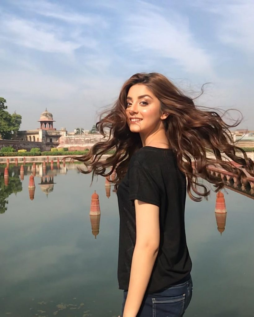 Mahira Khan Alizeh Shah Adorable Video 1