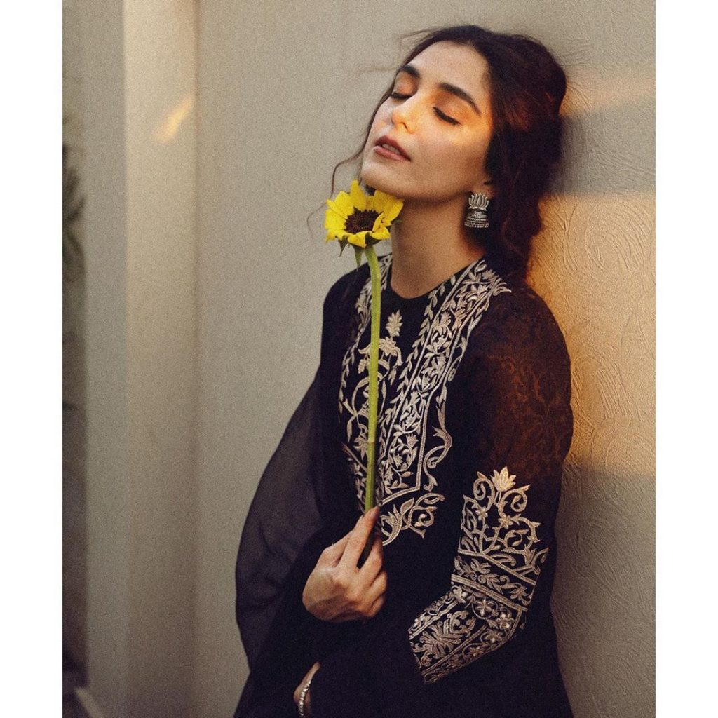 Maya Ali Shares How She Misses Her Father 6
