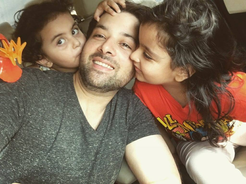 Mikaal Zulfiqar Beautiful Clicks with his Family
