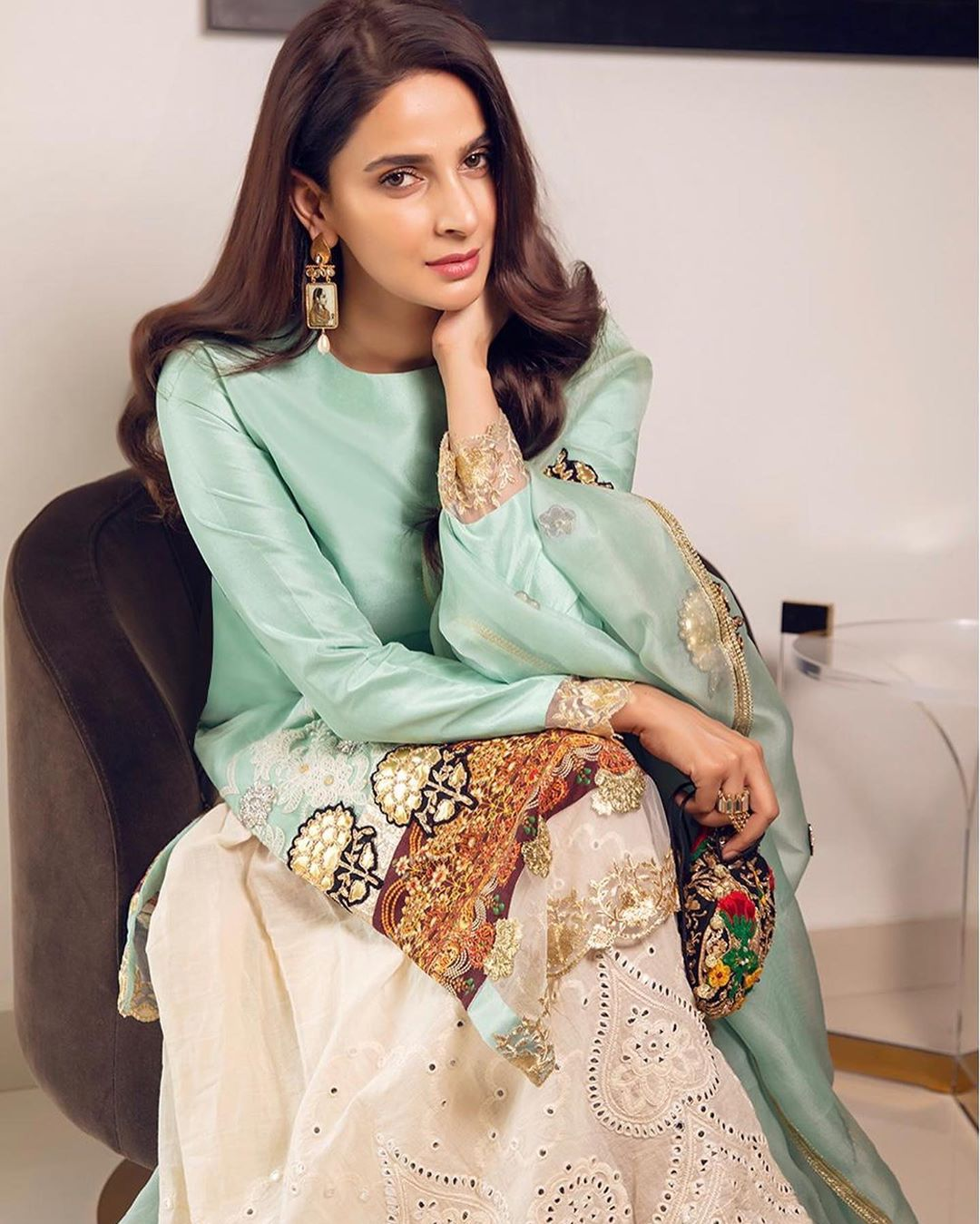 Saba Qamar Latest Beautiful Pictures from Instagram