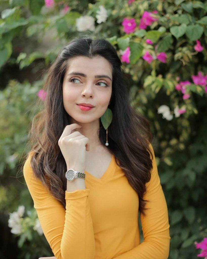 Srha Asghar, Rabya Kulsoom and Maham Amir Amazing Dance Video