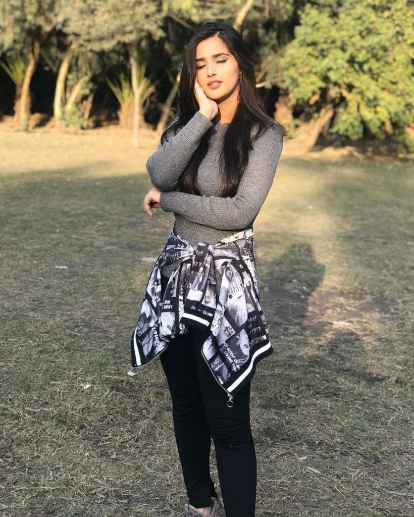 TikToker Alishbah Anjum Didn't Like Ayeza Khan's Acting