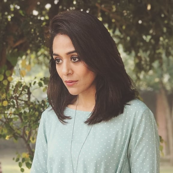 Yasra Rizvi Shares Fun Dance Videos