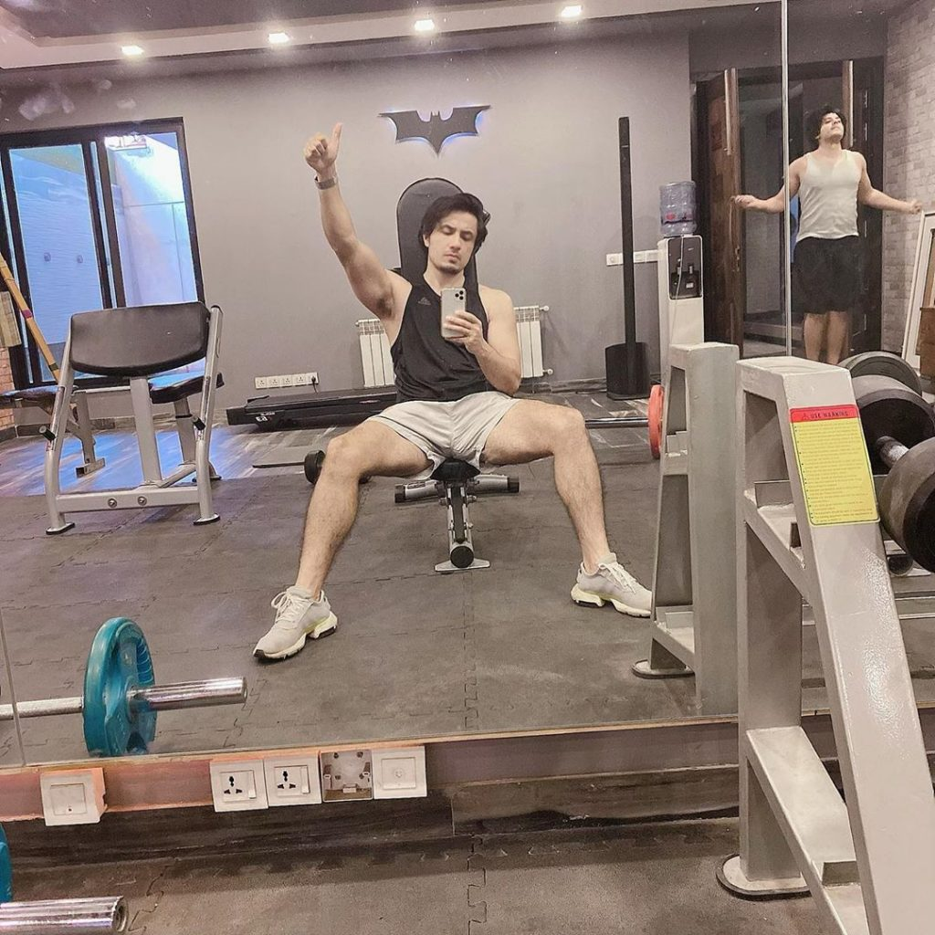 Latest Pictures of Ali Zafar in Gym
