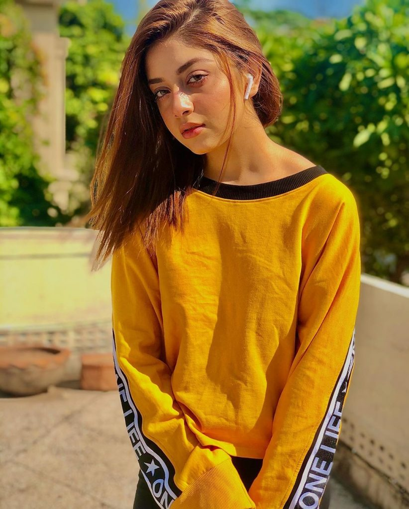 Alizeh Shah Looking Stunning In New Hair Color And Hair Style