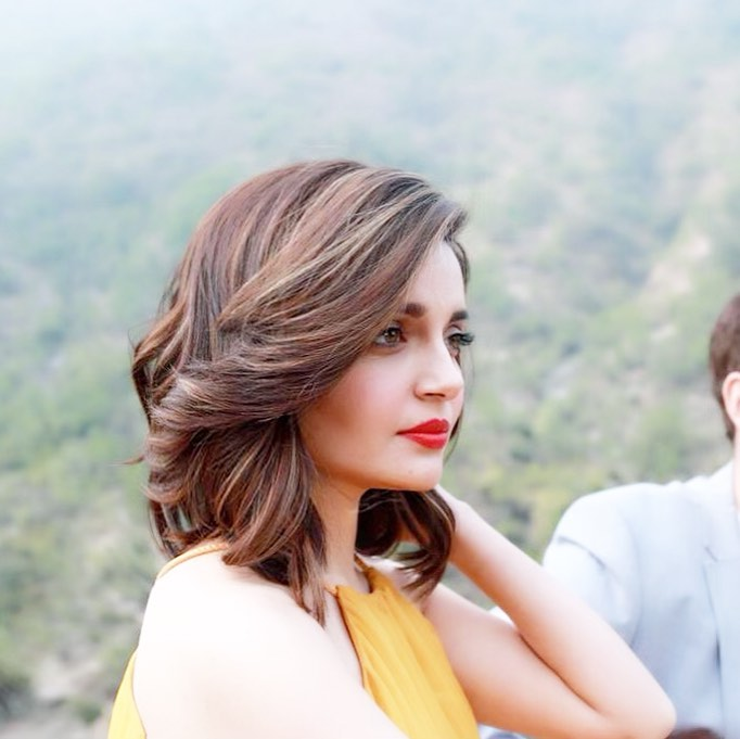Armeena Khan Looks All Bold and Beautiful in these Pictures