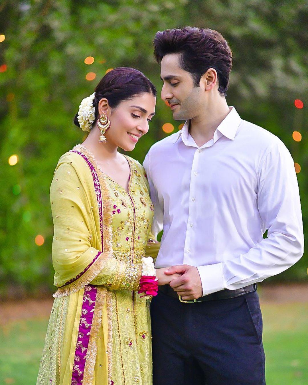 Ayeza Khan on the Sets of her Drama Mehar Posh
