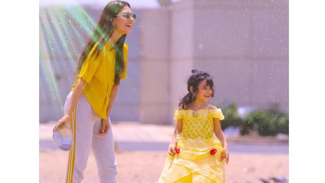 Ayeza Khan Is A Super Mom And Here's Why