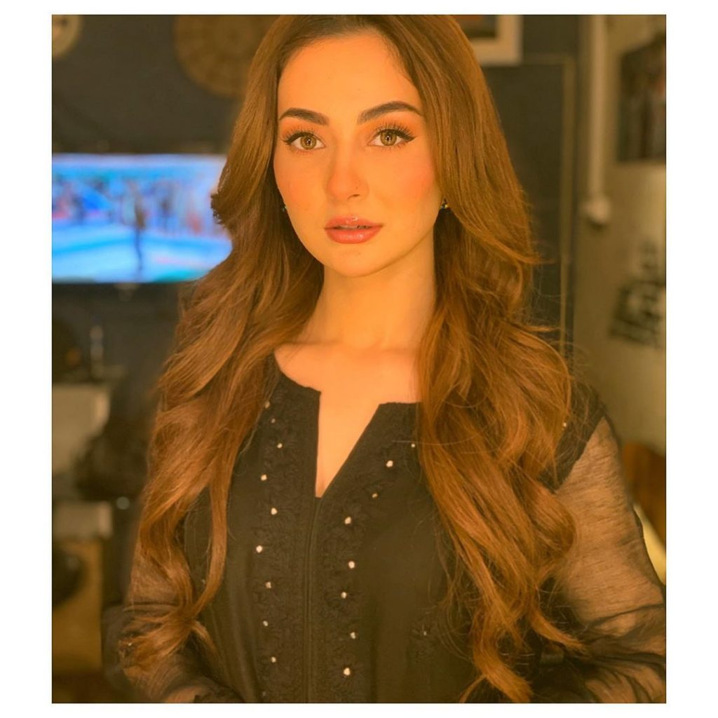 Glowing Pictures of the Gorgeous Hania Aamir