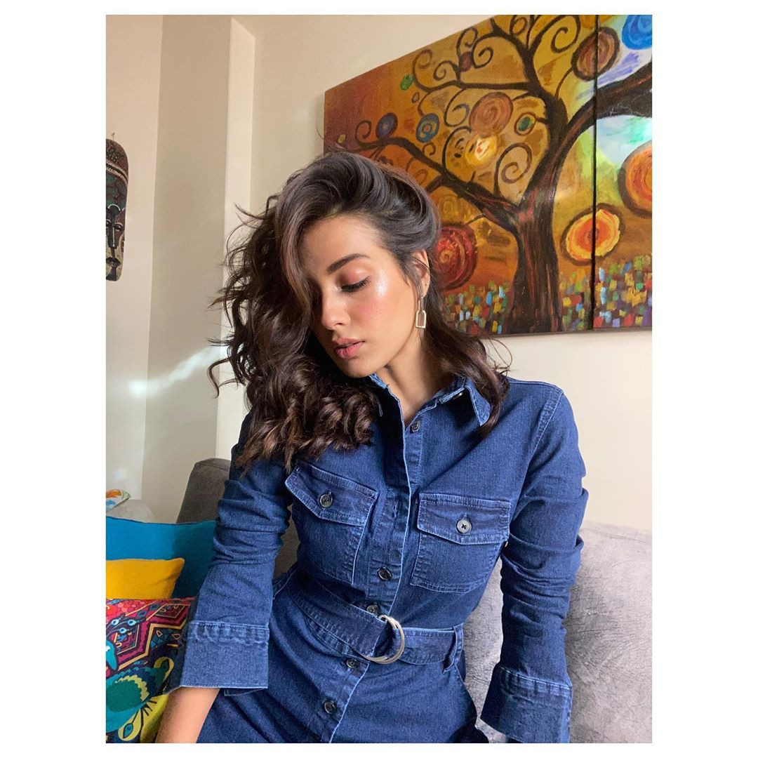 Yasir Hussain and Iqra Aziz Latest Clicks from Instagram