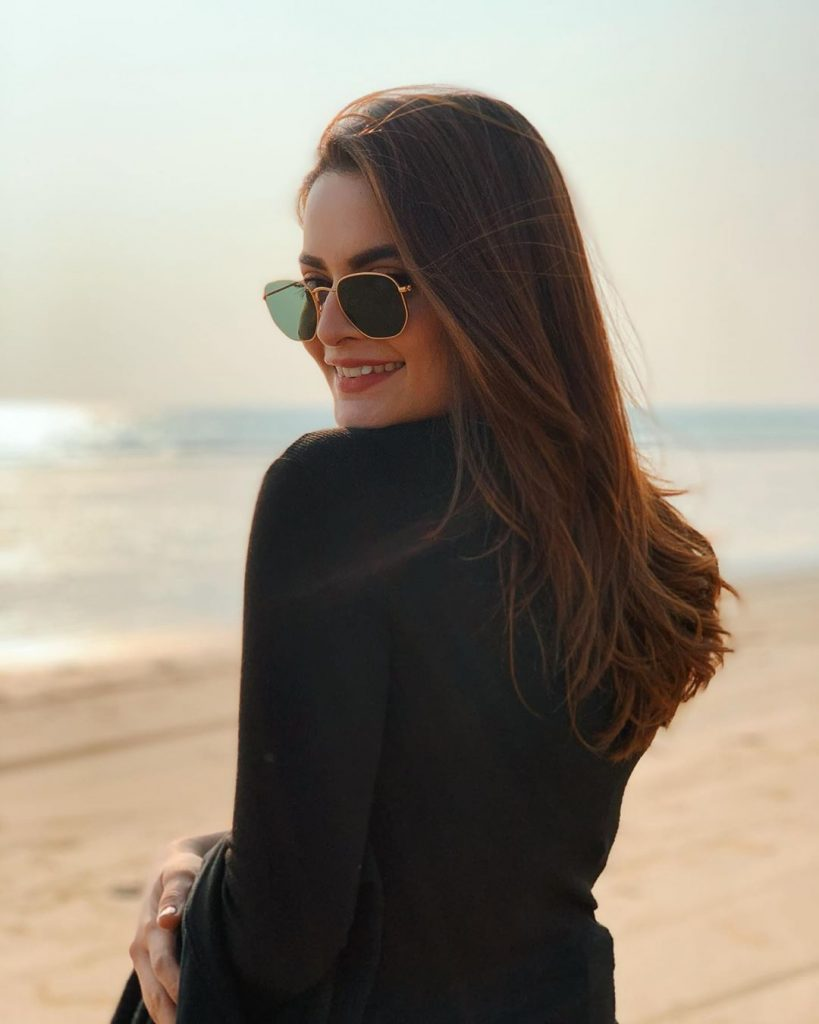 Fabulous Pictures of Minal Khan in Sunglasses