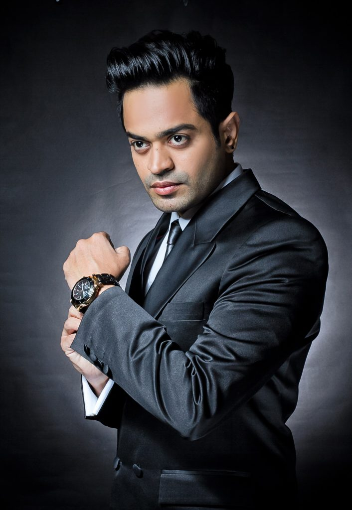 Actor Naveed Raza Shares How He Recovered From Coronavirus