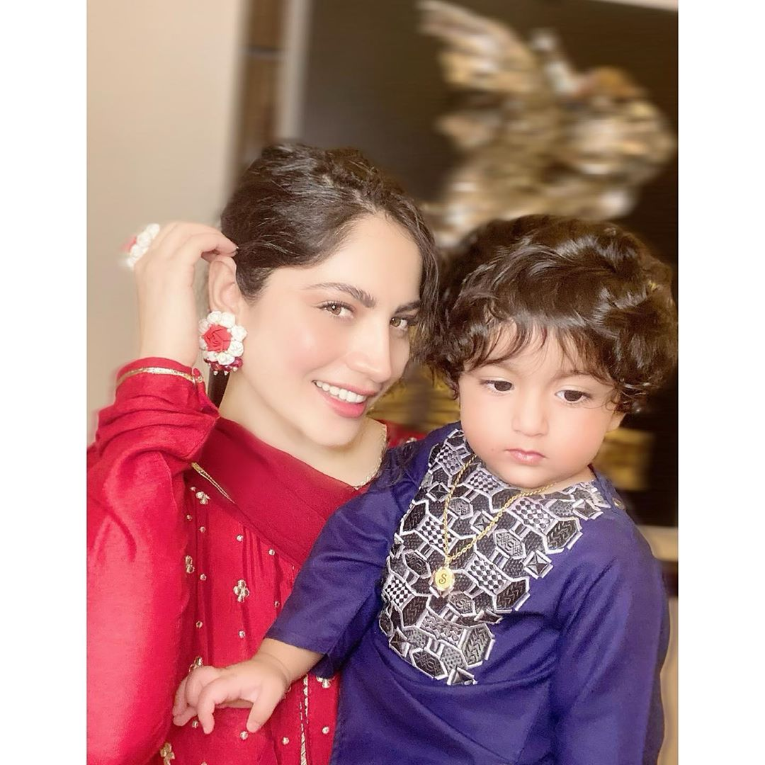Neelam Muneer Beautiful Clicks with her Niece and Nephew