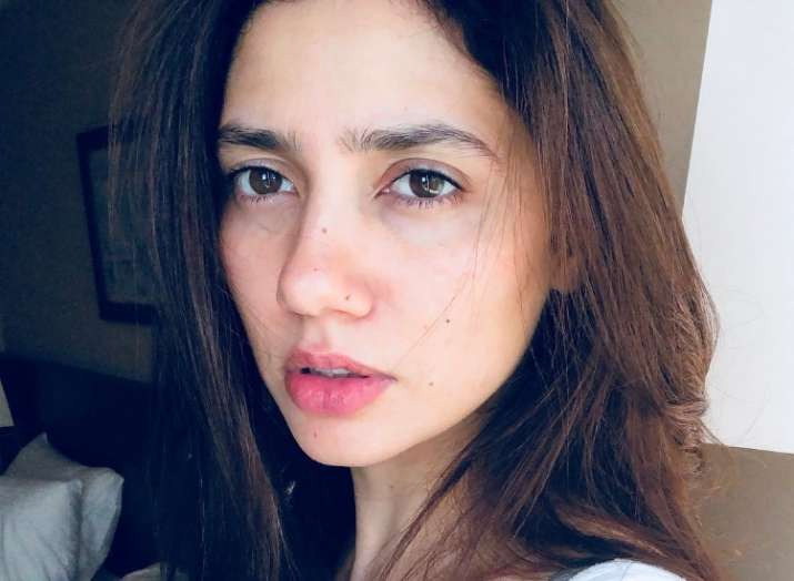 Amazing Pictures of Mahira Khan Without Filters
