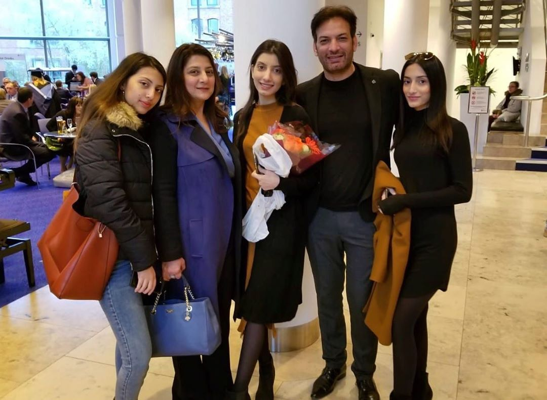 Saleem Sheikh Latest Pictures with his Daughters