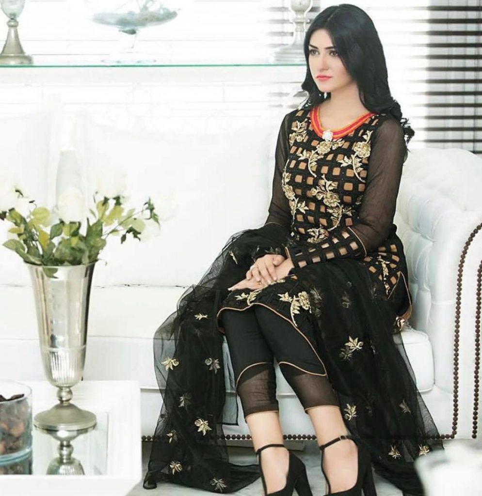 sarah khan1