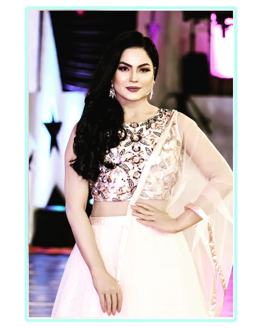 Actress Veena Malik Latest Beautiful Pictures from her Instagram