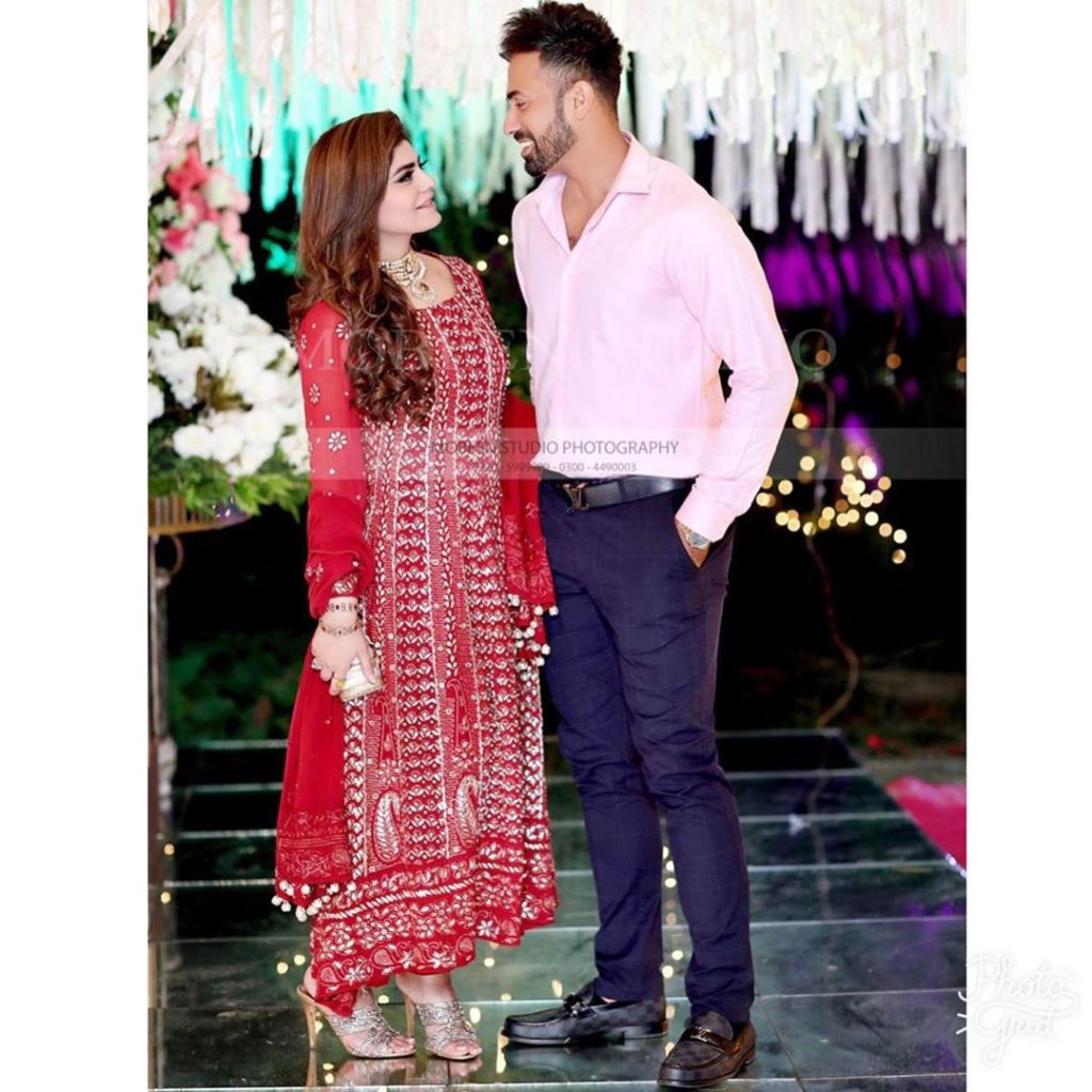 Wahab Riaz Wife - Romantic Pictures