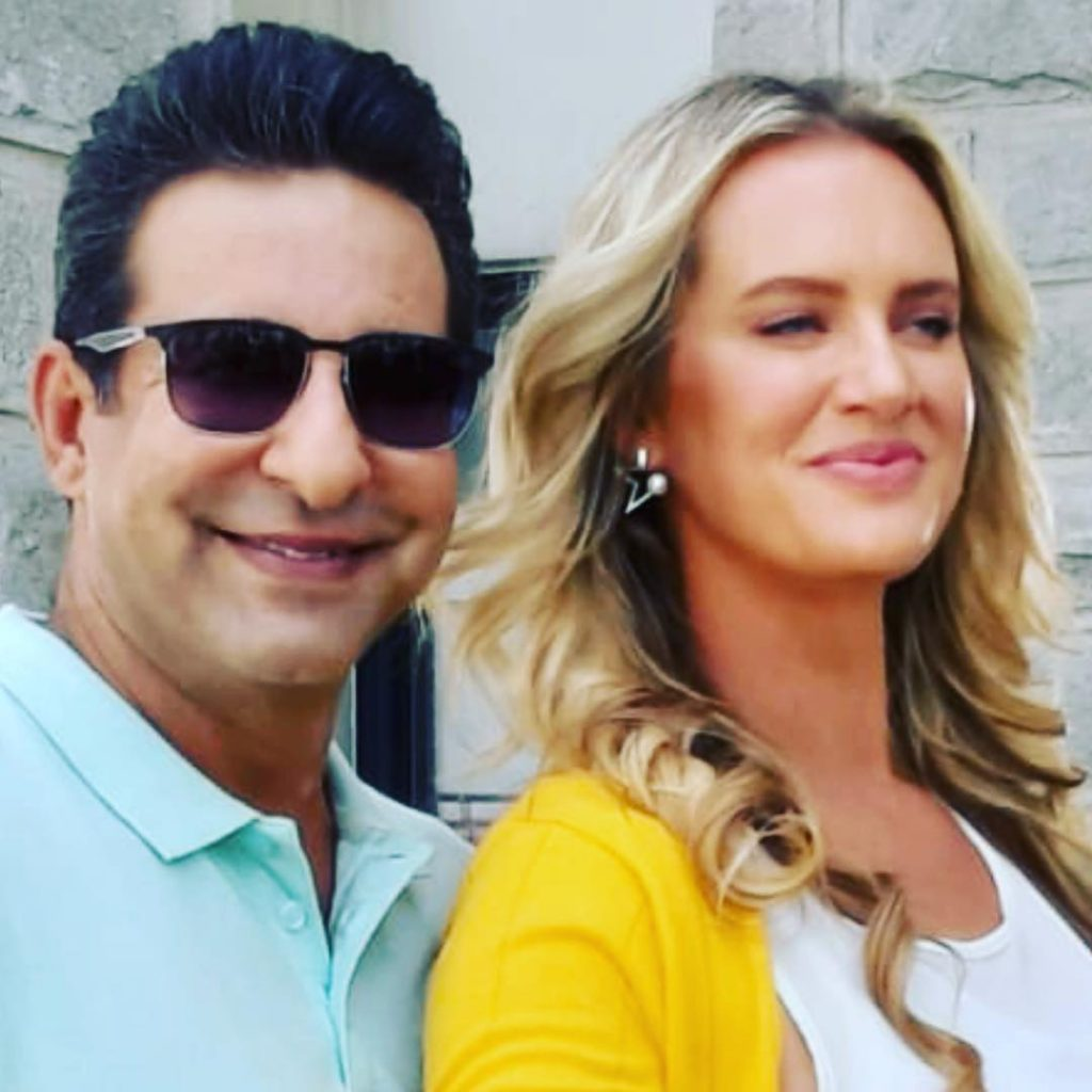 Beautiful Pictures of Wasim Akram with Wife and Kids