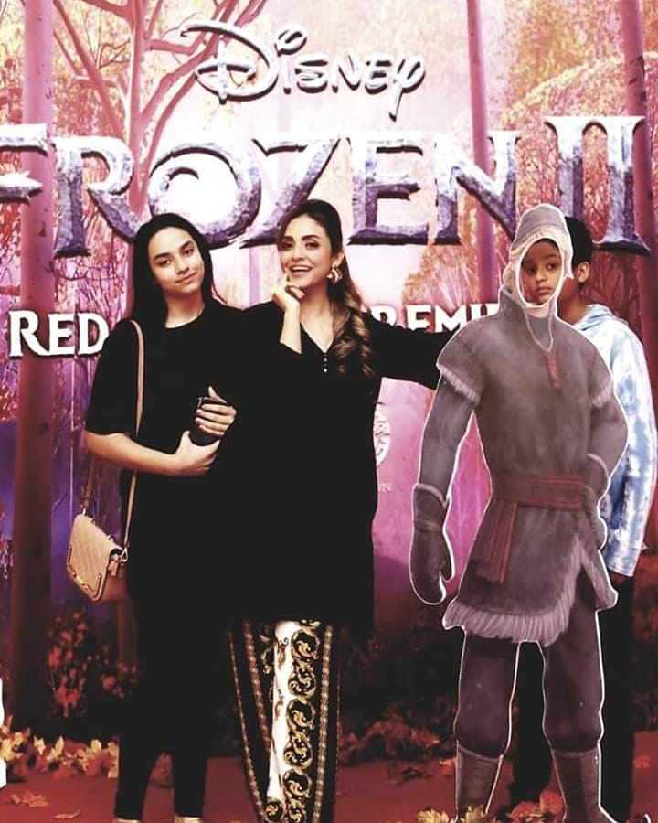 Family Picture Of Nadia Khan