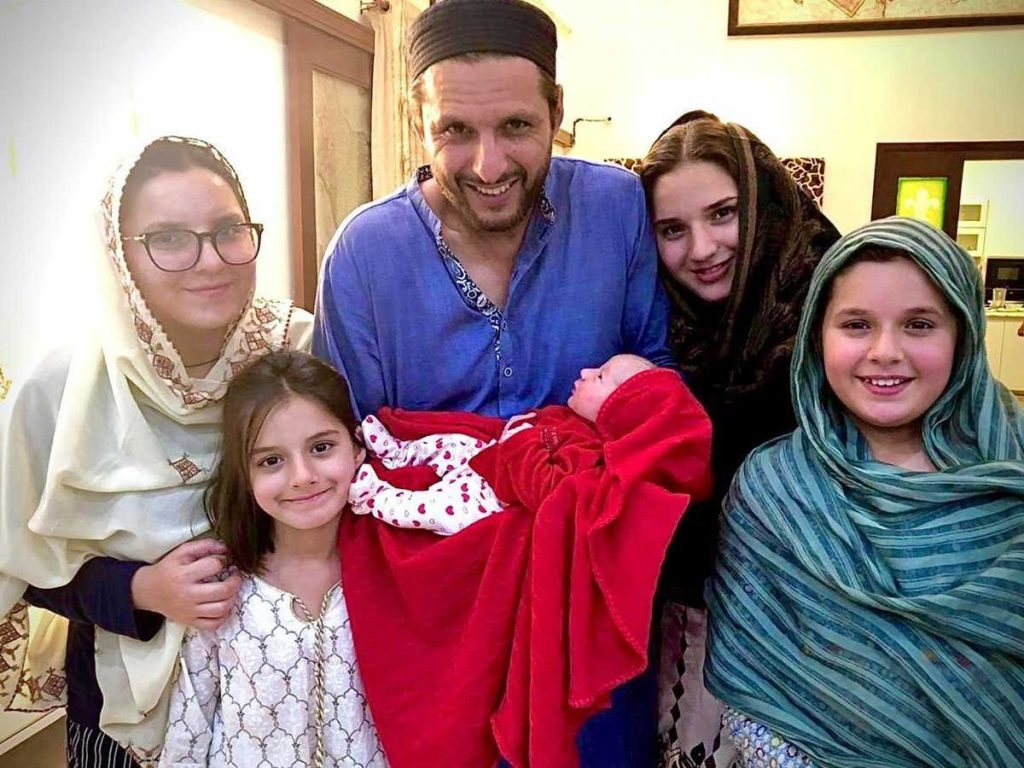 Afridi daughters Twitter