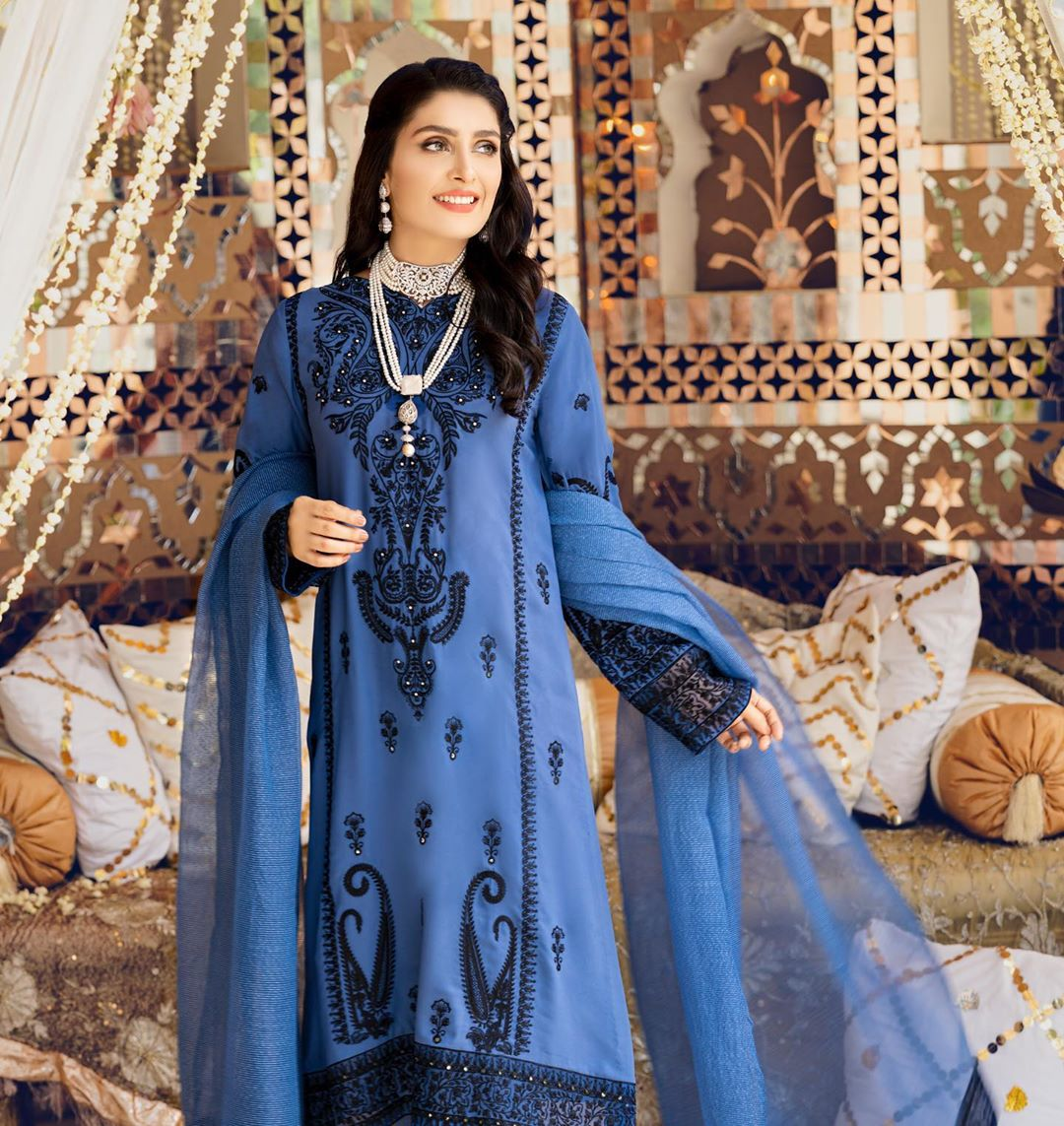 Ayeza Khan Looking Gorgeous in These Beautiful Dresses