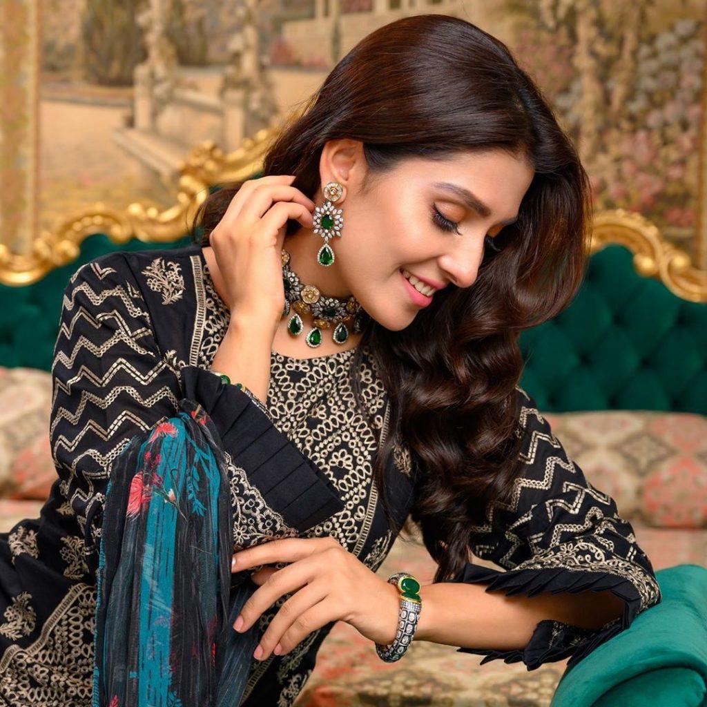 Ayeza Khan Looks Ravishing In Latest Lawn Shoot