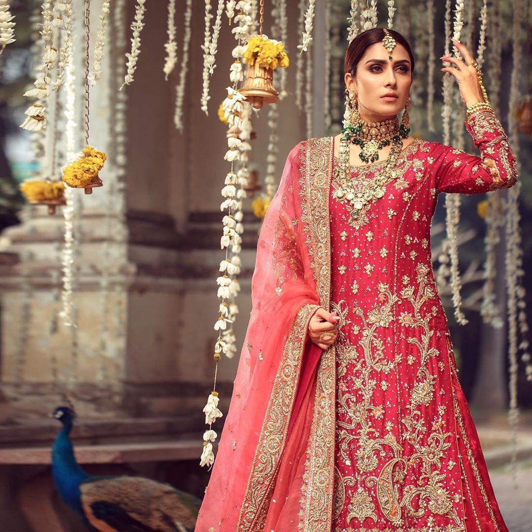 Ayeza Khan Latest Bridal Shoot for Warda Qutub Khan