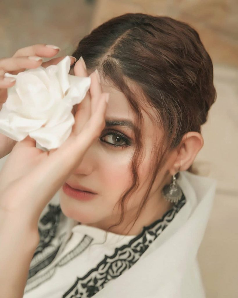 Hira Mani Looks Undeniably Gorgeous In Latest Shoot 4