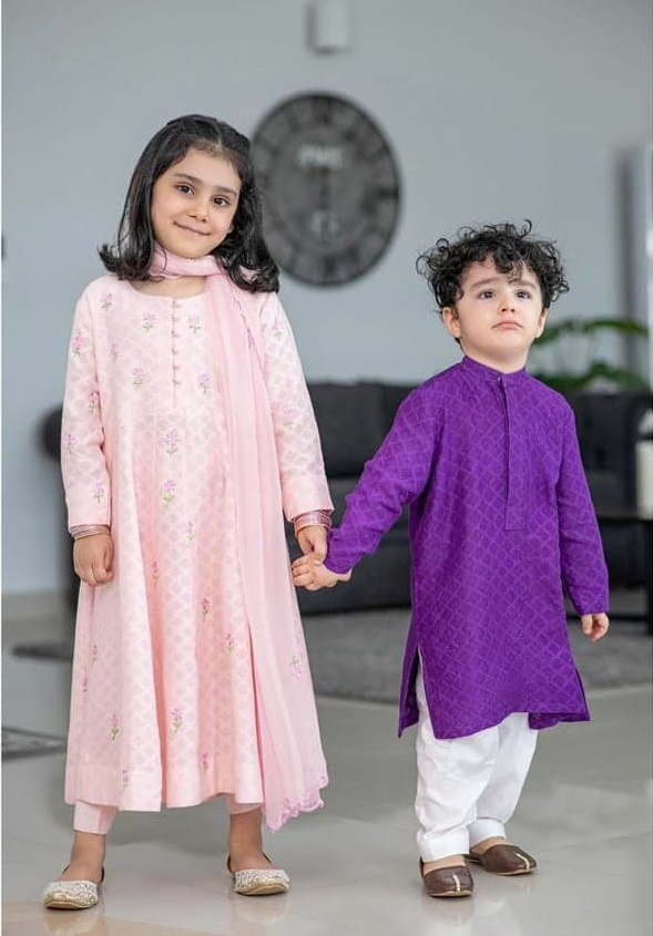 Here's How Ayeza Khan Celebrates Her Kids Birthdays