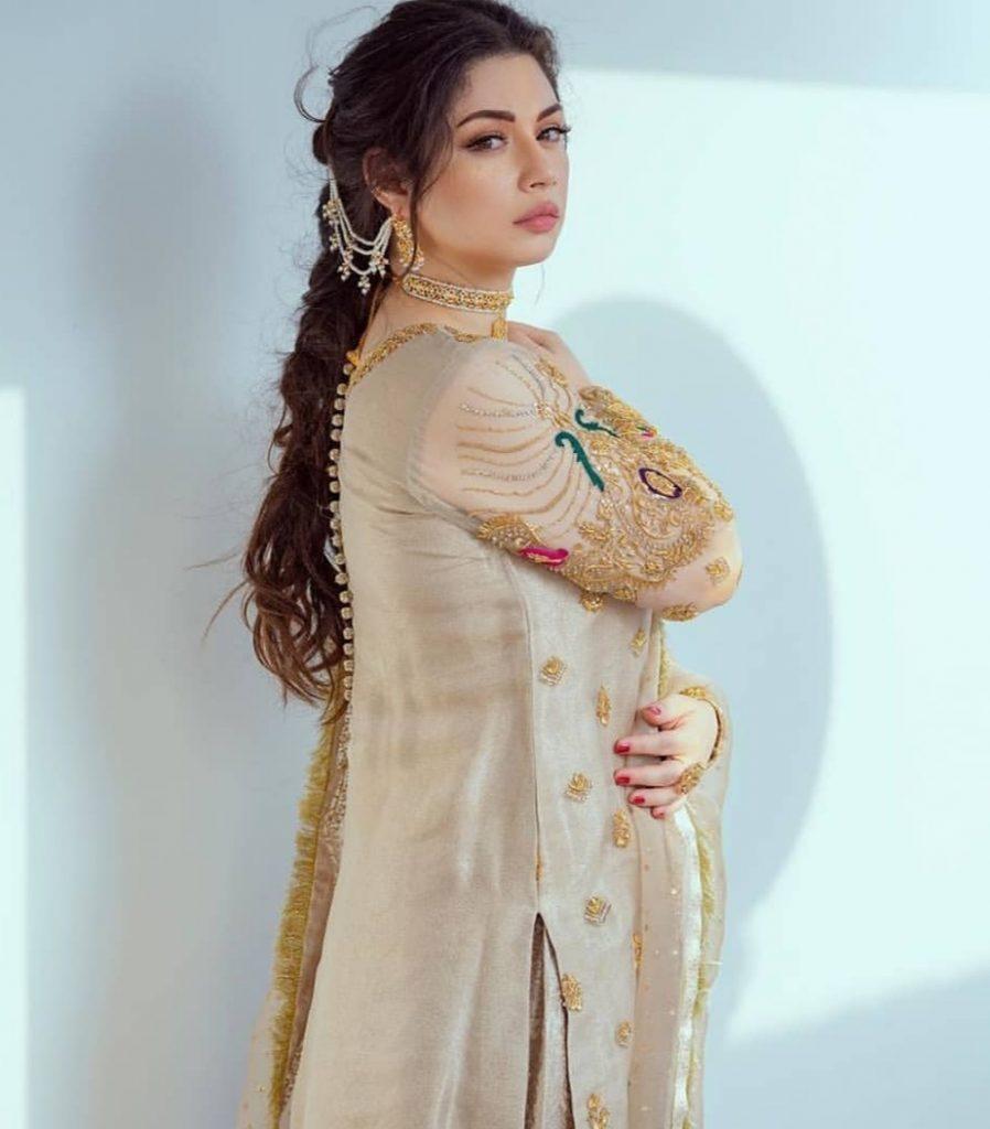 Sidra Batool Looking Radiant In Her New Photo Shoot