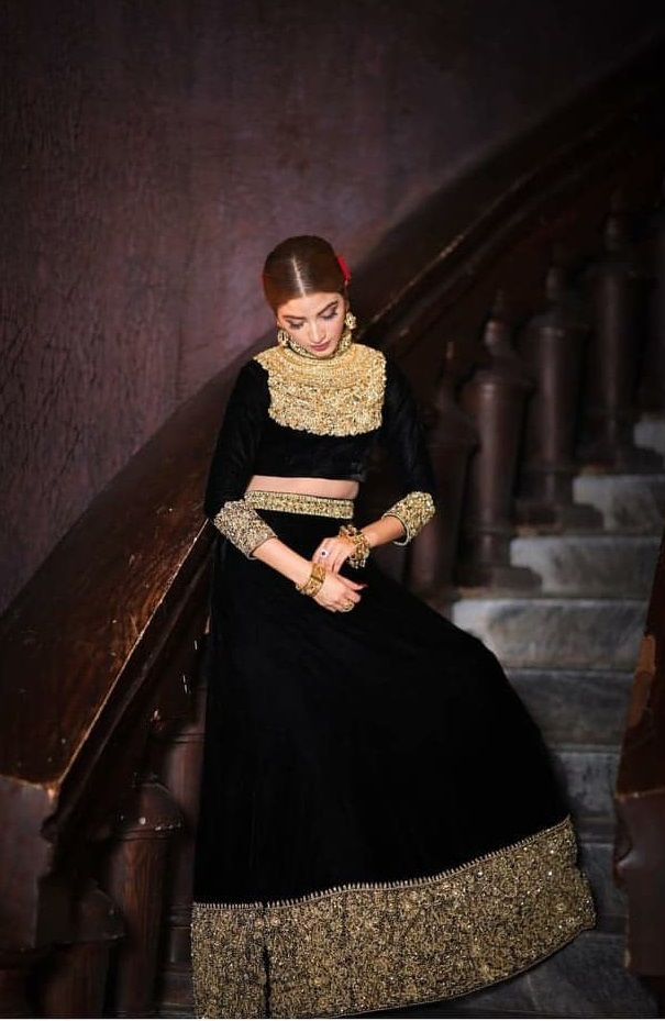 Unimpressive Photoshoots of Pakistani Celebrities