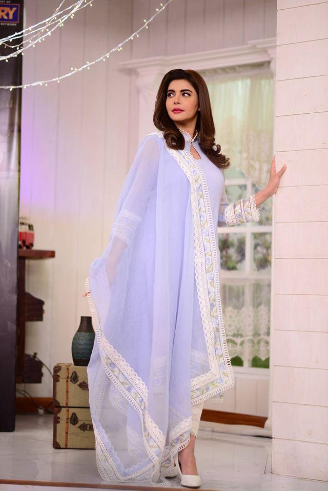 Cast of Drama Log Kia Kahenge on Nida Yasir Morning Show