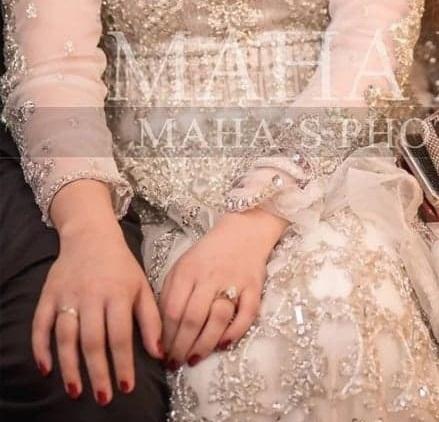 Beautiful Engagement Rings of Pakistani Actresses