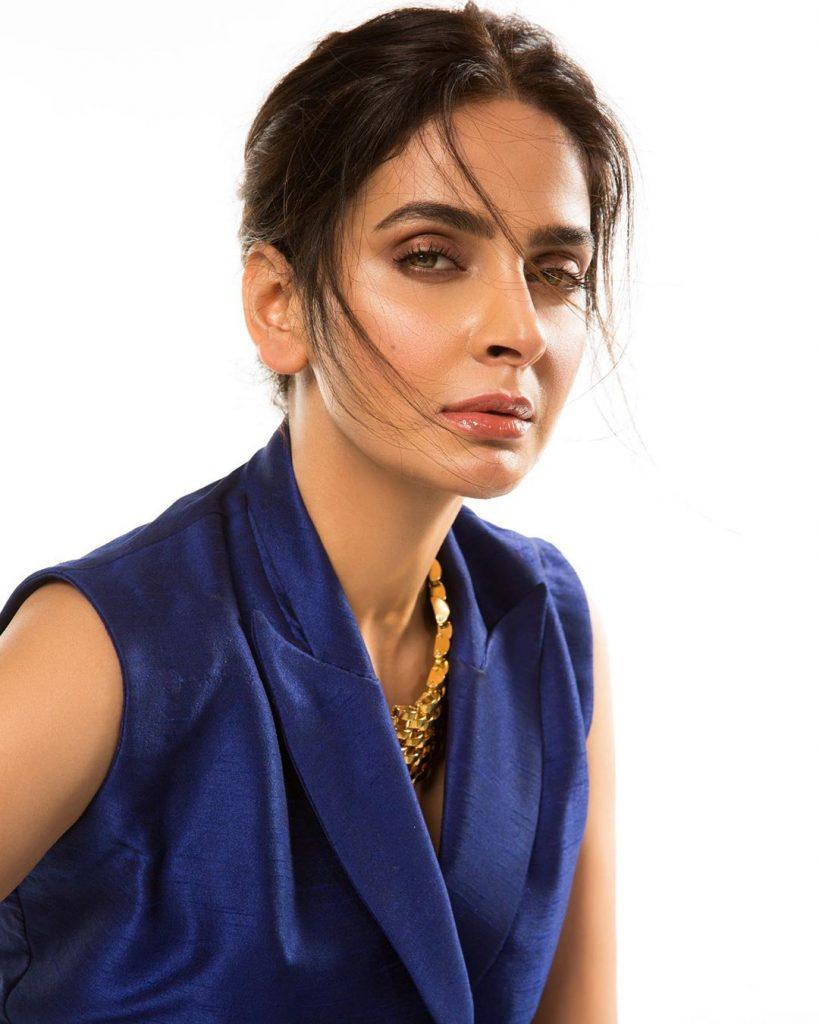 Saba Qamar Bashes Celebrities For Speaking Against Ertugrul