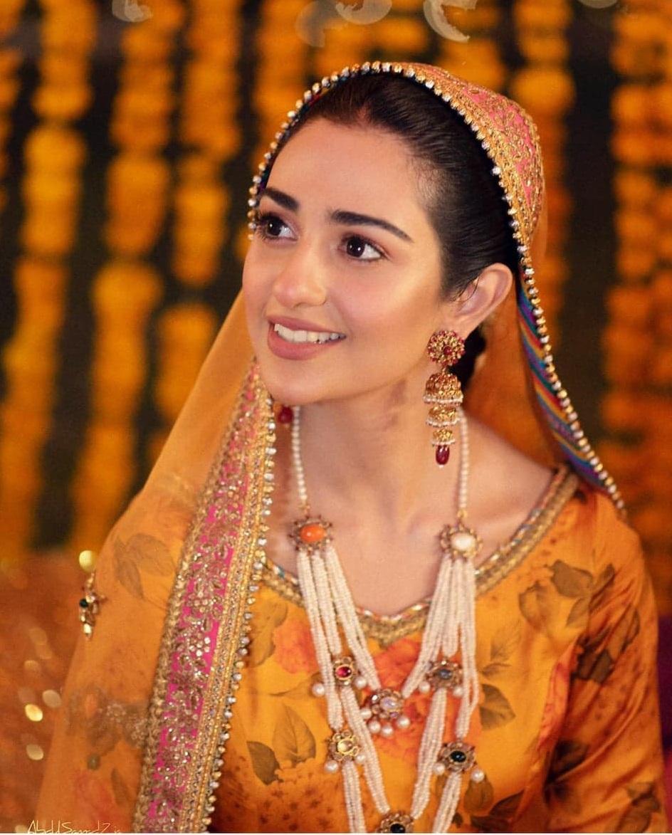 Sarah Khan Falak Shabbir 10