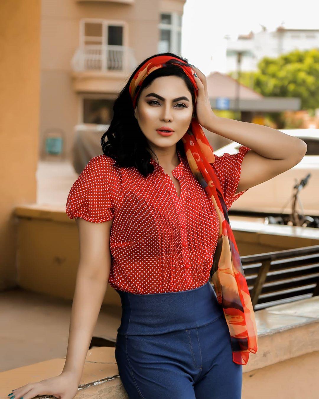 Actress Veena Malik Latest Pictures from Instagram