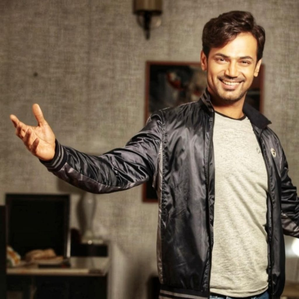 Zahid Ahmed Showing His Dance Moves 11