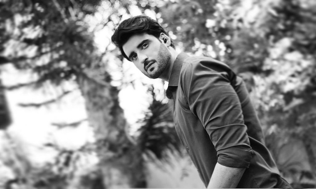 Delightful Poses of Agha Ali That Depict Perfection!