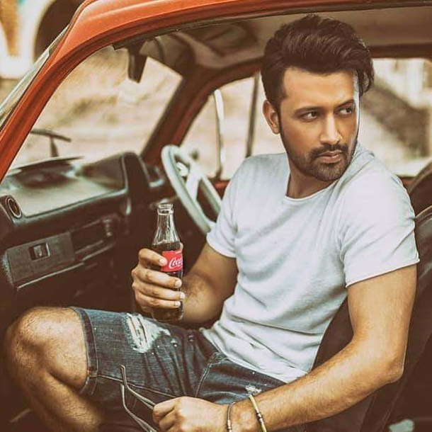 Awesome Clicks of Atif Aslam With His Family - A Must to SEE!