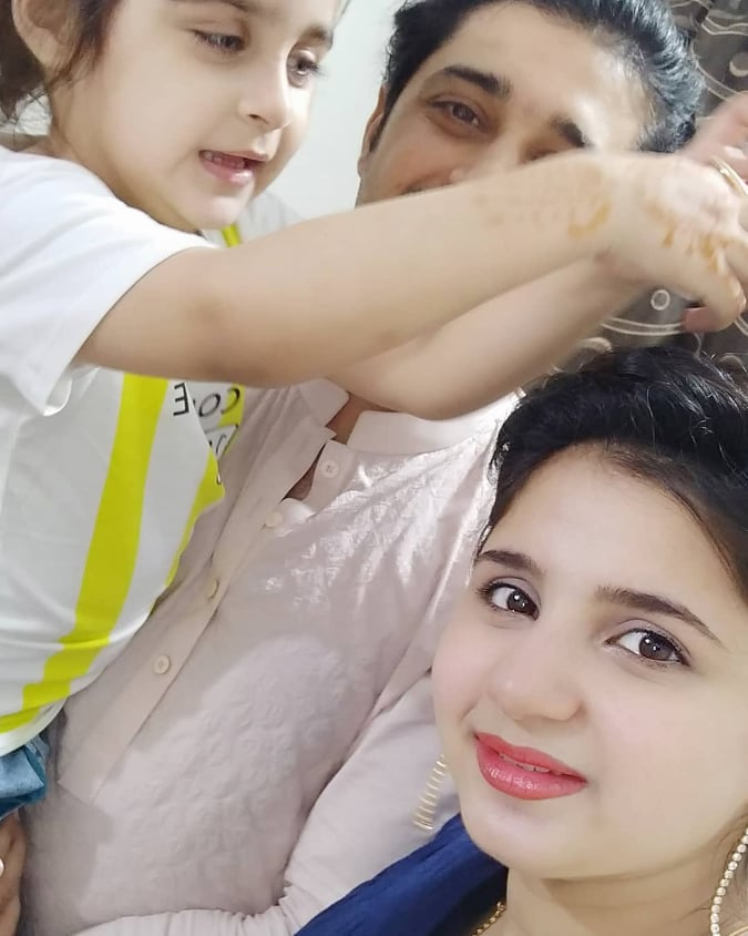 Actor Babar Khan with Wife Bisma and Kids - Latest Pictures