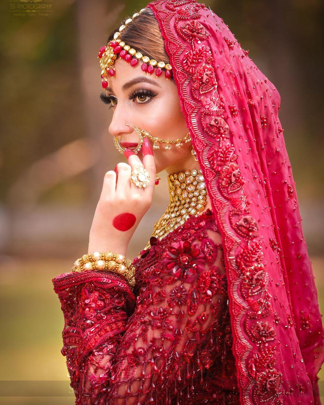 Bridal Photo Shoot of Gorgeous Kinza Hashmi