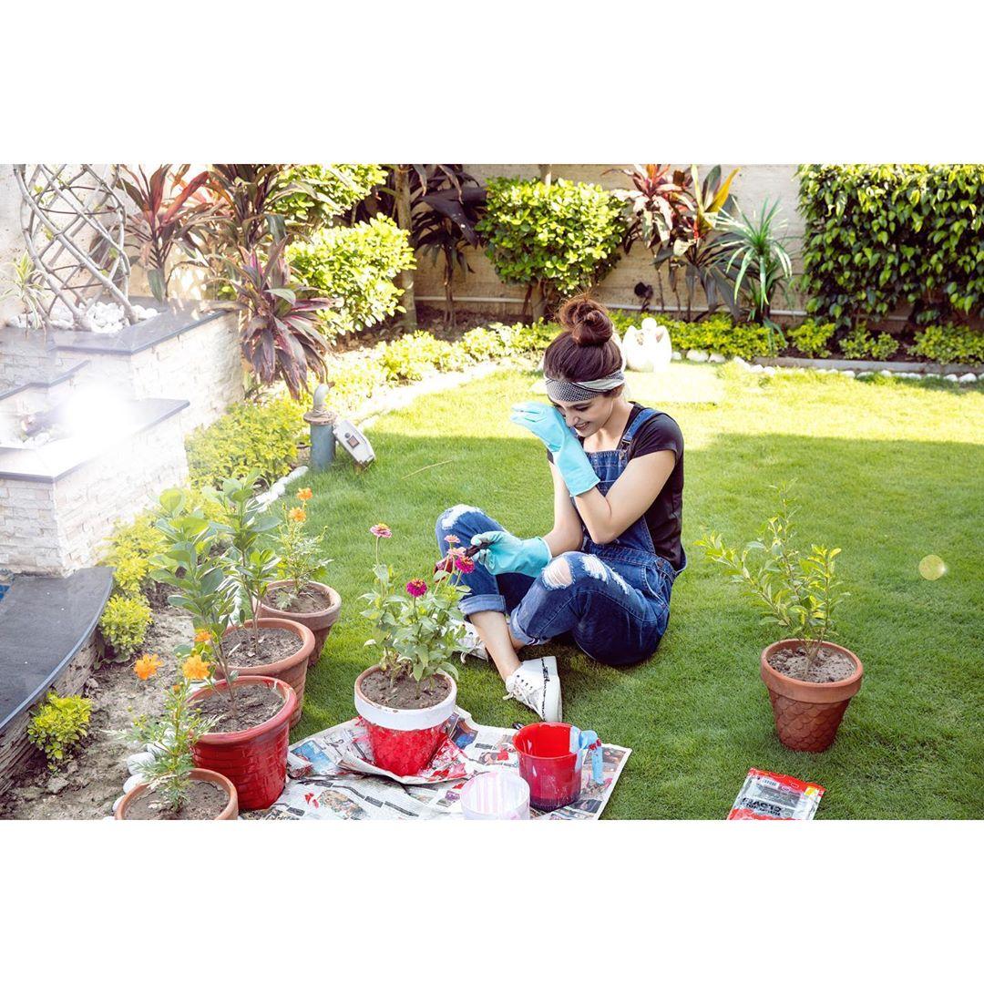 Actress Maya Ali Latest Beautiful Clicks from Instagram