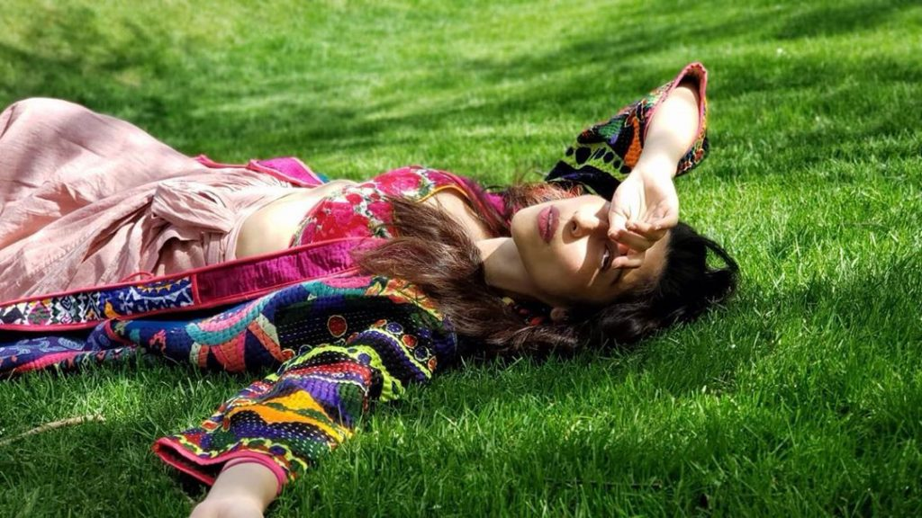 Latest Outdoor Pictures of Meesha Shafi