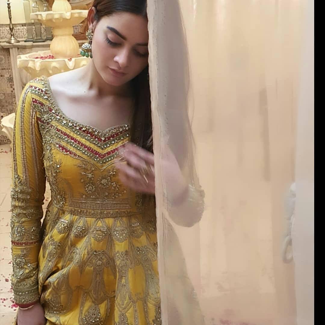 minal khan 18